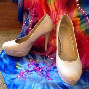Lauren Conrad Runway High Heels Size: 8.5